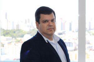 A figura do corretor se seguros auxilia na escolha da melhor cobertura, segundo Anderson Cardoso (Foto: divulgação)