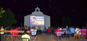 linda-cena-recente-de-evento-do-cinesolar-foto-com-estrelas-2